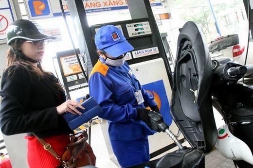 Đây là lần thứ 6 giá xăng dầu được điều chỉnh. (Ảnh: Internet)