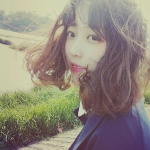"""Khi không cosplay, khuôn mặt mộc của Eun Hye cũng không khác biệt gì nhiều, vẫn là đôi mắt to tròn, khuôn mặt bầu bĩnh và đôi môi chúm chím làm trái tim bao người phải """"tan chảy"""". (Ảnh: Internet)"""