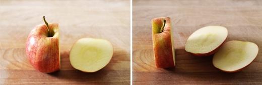 Sau đó dùng dao cắt một đường thẳng đứng vào 1/3 quả táo sao cho không để chạm lõi. Tiếp tục cắt sang mặt bên kia. (Ảnh: Internet)