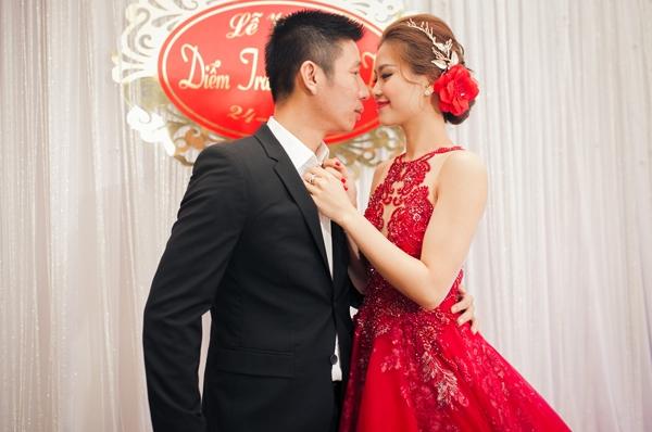 Diễm Trang và ông xã trong lễ cưới. - Tin sao Viet - Tin tuc sao Viet - Scandal sao Viet - Tin tuc cua Sao - Tin cua Sao