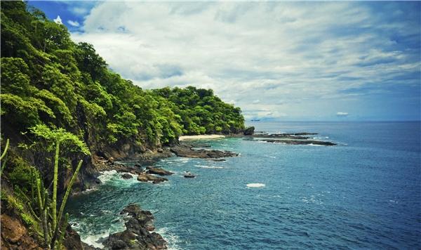 Bờ biển tuyệt mĩ ở Costa Rica.(Ảnh: Internet)