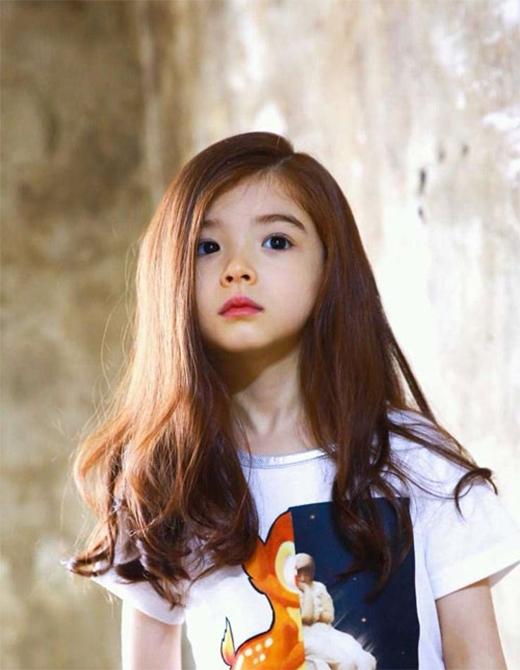 """Cô bé đượcví là """"thiên thần lai"""" xinh đẹp nhấtcủa xứ sở kim chi. (Ảnh: Internet)"""