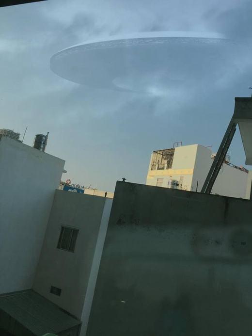 Hình ảnh được chúng tôi chụpbầu trời... Quận 4, TP.HCM...