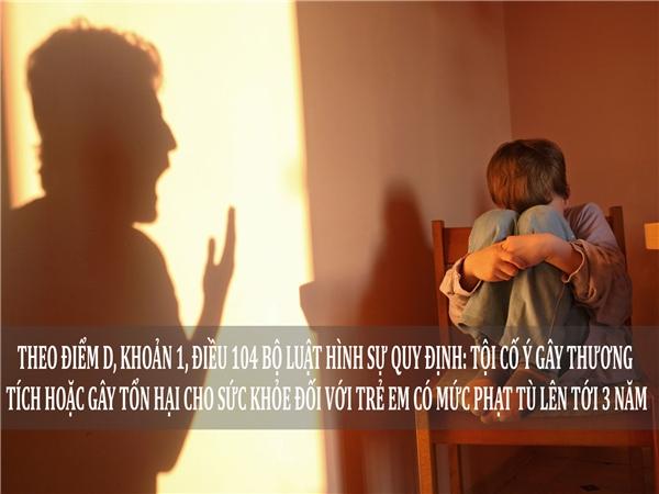 Phẫn nộ cảnh cha đánh con tàn nhẫn vì cãi lời mẹ kế