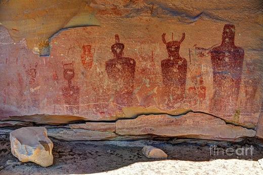 Một số ý kiến cho rằng người cổ đại đã thấy và vẽ lại người ngoài hành tinh.(Ảnh: Internet)
