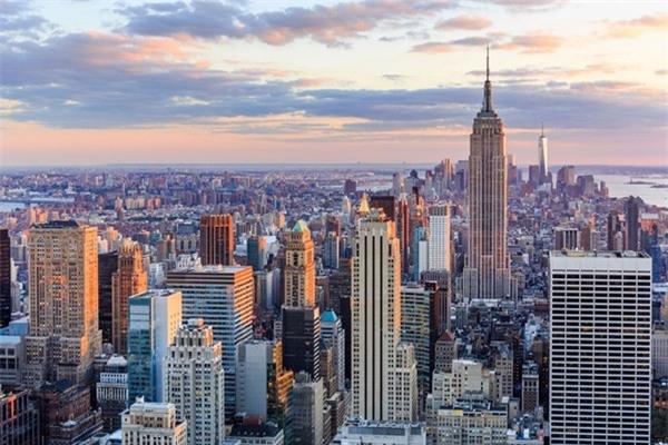 9. New York, Mỹ: Với tòa nhà Empire State, quảng tường Thời Đại, tượng nữ thần Tự Do và vô vàn các điểm tham quan ấn tượng, thành phố New York là một trung tâm toàn cầu của văn hóa, nghệ thuật, thời trang và tài chính. Tới đây, du khách sẽ không có một giây phút buồn chán nào. Ảnh: Newyorker.