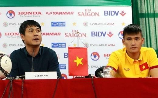 Công Vinh và HLV Hữu Thắng có mặt tại buổi họp báo trước trận ĐT Việt Nam - Đài Loan (Trung Quốc). Cuộc so tài sẽ diễn ra lúc 19h ngày 24/3 tới, trên SVĐ Mỹ Đình (Hà Nội).