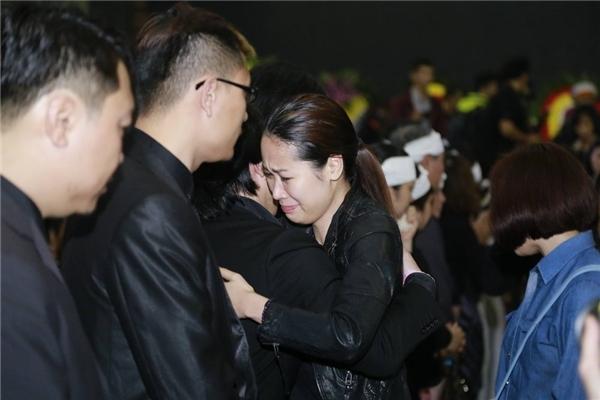 Bí thư Đinh La Thăng đến tiễn đưa ca - nhạc sĩ Trần Lập về nơi an nghỉ
