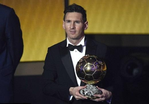 """... trong khi Messi một lần nữa giành """"Quả bóng vàng FIFA"""". (Ảnh: Internet)"""