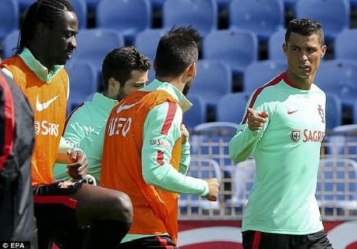 Ronaldo và các đồng đội tại ĐT Bồ Đào Nha đang tích cực luyện tập ở Lisbon. (Ảnh: Internet)