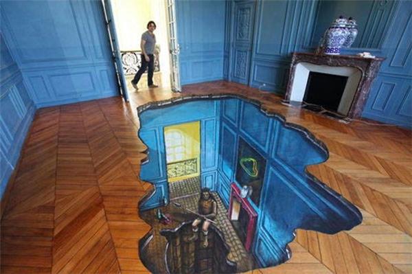 Sàn nhà xuyên thấu.