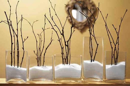 Hoa sẽ tươi lâu hơn nếu hòa nước trong bình bông với muối. (Ảnh: Internet)