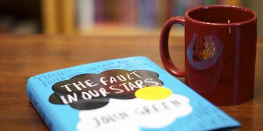 Tập cho mình một thói quen lành mạnh, chẳng hạn đọc sách.(Ảnh: Internet)