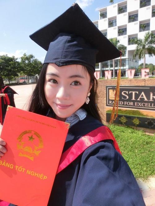 Đầu năm 2016, Minh Thu lại vừa gây tiếng vang khi tốt nghiệp Á khoa trường ĐH danh tiếng này