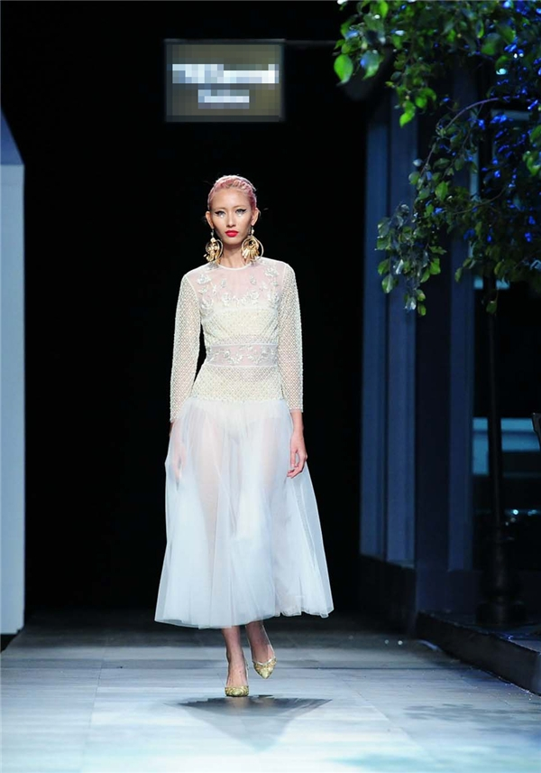Nhiều lời khen ngợi còn ví von Tùng Vũ như Dolce and Gabbana phiên bản Việt.