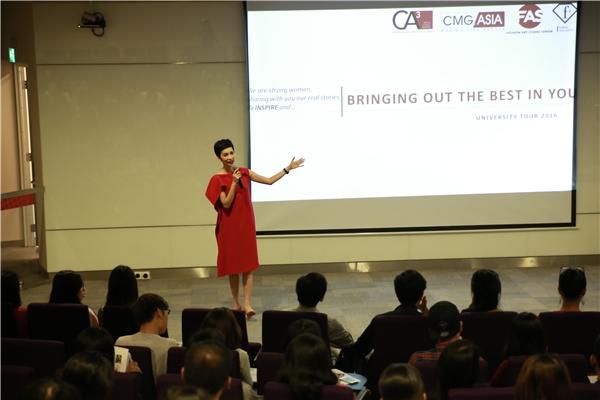 Côtrải lòng với các bạn sinh viên về những kiến thức và kinhnghiệm của mình trong ngành công nghiệp thời trang Việt Nam hiện nay. - Tin sao Viet - Tin tuc sao Viet - Scandal sao Viet - Tin tuc cua Sao - Tin cua Sao