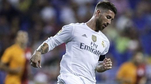 Ramos vừa tái phát chấn thương lưng trong loạt trận giao hữu đêm qua. (Ảnh: Getty Images)
