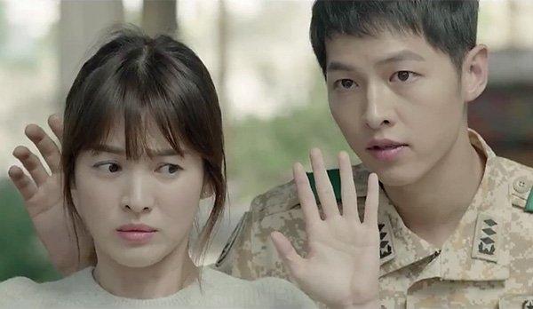 """Cái tên Song Hye Kyo đang đình đám khi đóng cặp cùng Song Joong Ki trong phim """"Hậu duệ của mặt trời""""."""