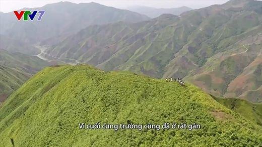Rơi nước mắt với đoạn đường đi học 30 km của học sinh miền núi