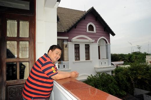 Ban công cơ ngơi của Minh Béo vô cùng thoáng mát và có tầm nhìn đẹp.(Ảnh: Internet)