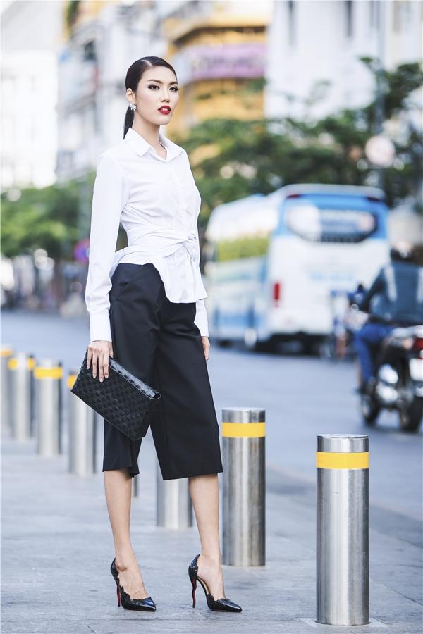 Cô nàng đã thành công trong việc chinh phục người hâm mộ với phong cách thời trang này.