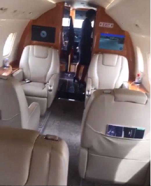 Không gian bên trong chuyên cơ ở đoạn clip Benzema chia sẻ. (Ảnh: Instagram)