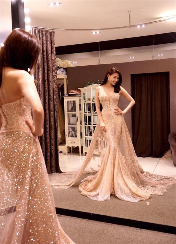 Thúy Diễm vô cùng xinh đẹp trong chiếc váy cưới được thiết kế dành riêng cho nữ diễn viên. - Tin sao Viet - Tin tuc sao Viet - Scandal sao Viet - Tin tuc cua Sao - Tin cua Sao