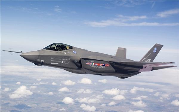 Lockheed Martin's F-35 là hệ thống chiến đấu cơ đắt nhất toàn thế giới với giá tiền khoảng 400 tỉ USD. (Ảnh: Internet)