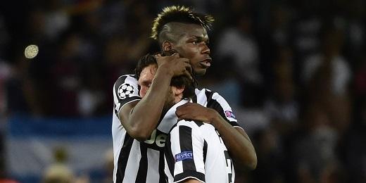 Pogba và Pirlo khi còn thi đấu trong màu áo Juventus. (Ảnh: Internet)