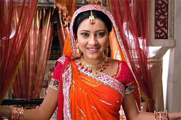Và nàng Anandi xinh đẹp trong Cô dâu 8 tuổi.