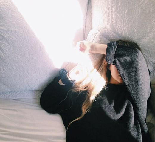 Mệt mỏi đôi khi là do làm việc quá sức. Nhưng nếu không không làm gì mà vẫn mệt mỏi thì bạn nên bắt đầu chú ý đến tình hình sức khỏe của mình. (Ảnh: Internet)