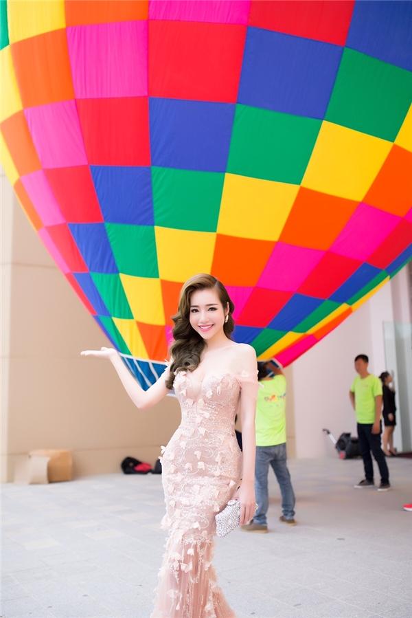 Elly Trần lần đầu can đảm bay cùng khinh khí cầu dù rất sợ độ cao - Tin sao Viet - Tin tuc sao Viet - Scandal sao Viet - Tin tuc cua Sao - Tin cua Sao