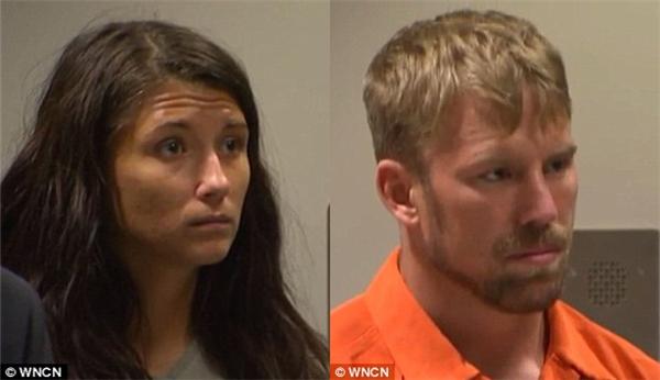 Jeanie Ditty và bạn trai Zachary Earl Keefer xuất hiện trước tòa vào thứ Hai sau khi cảnh sát xác nhận con gái Ditty bị bạo hành. (Ảnh: Internet)