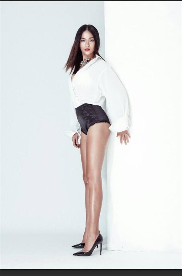 Mâu Thủycó chiều cao 1m79 với số đo ba vòng 84 – 63 – 89 phù hợp với tiêu chuẩn của một người mẫu quốc tế.