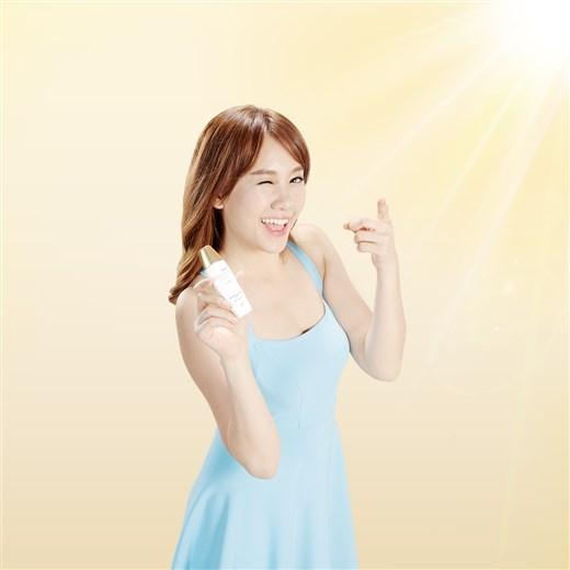 Hari Won chia sẻ bí quyết để bạn gái văn phòng có làn da đẹp