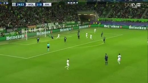 """Arnold ghi bàn thắng giúp Wolfsburg """"nhấn chìm"""" Real Madrid"""