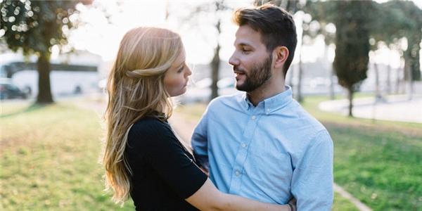 Làm cách nào để vượt qua nỗi đau phản bội trong tình yêu?