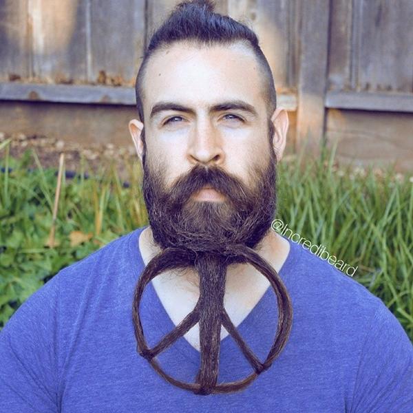 13. Râu không chỉ đơn thuần là râu... mà còn là thứ để các quý ông thỏa chí sáng tạo.