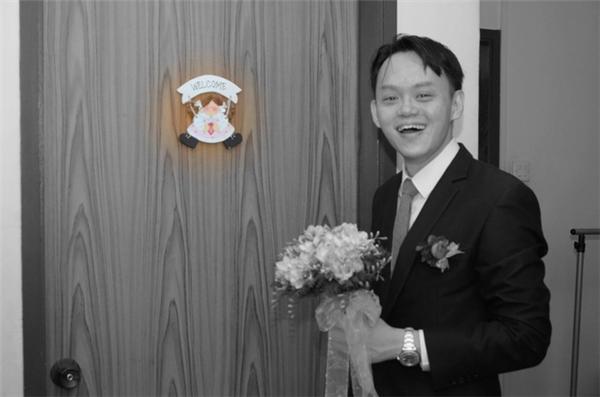Nhân vật chính của tấm ảnh này là chiếc bảng Welcome kia sao?