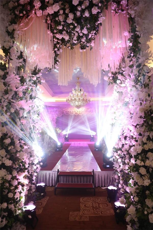 Không gian tiệc cưới như cổ tích của Lương Thế Thành – Thuý Diễm - Tin sao Viet - Tin tuc sao Viet - Scandal sao Viet - Tin tuc cua Sao - Tin cua Sao