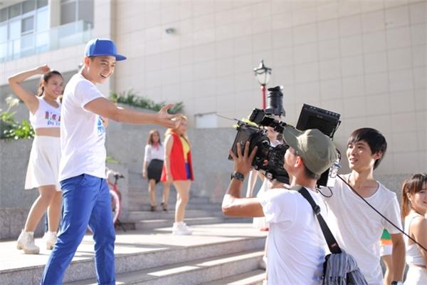 Niềm tin chiến thắng là sản phẩm âm nhạc mới nhất của Ngô Kiến Huy gửi đến fan đã ủng hộ mình sau thời gian tập trung tham gia chương trình The Remix 2016. - Tin sao Viet - Tin tuc sao Viet - Scandal sao Viet - Tin tuc cua Sao - Tin cua Sao