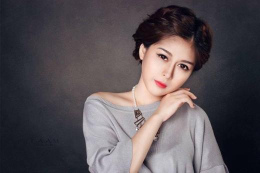 Nữ MC Thanh Hiền bày tỏ quan điểm trước hình ảnh không đẹp mắt trên (Ảnh: NVCC).