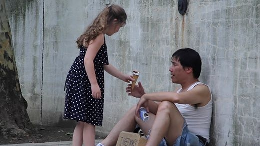 Giúp người nghèo hay ăn kem? Phép thử cực thú vị với trẻ em