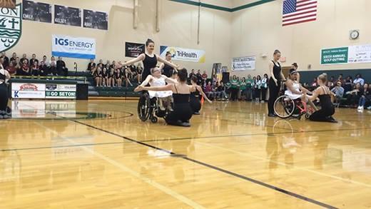Màn trình diễn của nghệ sĩ múa khuyết tật khiến triệu người thẫn thờ
