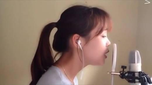 """Phát sốt với gái xứ Nghệ cover nhạc phim """"Hậu Duệ Mặt Trời"""" siêu hay"""