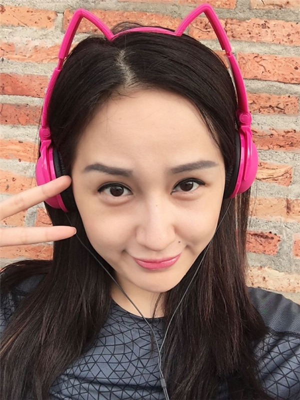 Ở tuổi 27, Hoa hậu Việt Nam 2006 vẫn vô cùng trẻ trung, kiều diễm với vẻ đẹp không tuổi. - Tin sao Viet - Tin tuc sao Viet - Scandal sao Viet - Tin tuc cua Sao - Tin cua Sao