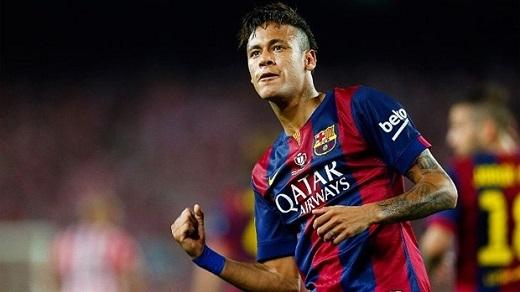 """10. Neymar đến PSG: Neymar là một cầu thủ sở hữu kĩnăng chơi bóng bậc nhất thế giới. Neymar hiện là cái tên rất nóng trên thị trường chuyển nhượng và không lạ gì khi đội bóng nhà giàu nước Pháp muốn có được anh. Tuy nhiên, cơ hội rút Neymar khỏi Barca là rất thấp. Nhưng người đại diện của anh lại nói: """"Chơi cho PSG là ước mơ của bất kìcầu thủ nào."""" Thêm vào đó, gã khổng lồ nước Pháp sẵn sàng trả 153 triệu bảng để có được siêu sao Brazil làm cho tin đồn này ngày càng trở nên đáng tin cậy. (Ảnh: Internet)"""