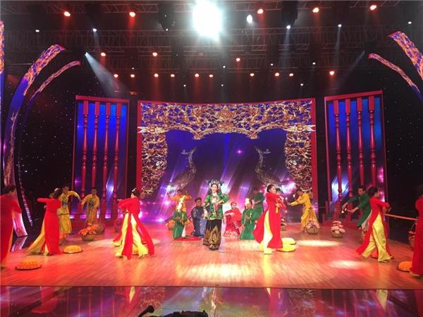 Phần trình diễn của Khánh My - Tin sao Viet - Tin tuc sao Viet - Scandal sao Viet - Tin tuc cua Sao - Tin cua Sao
