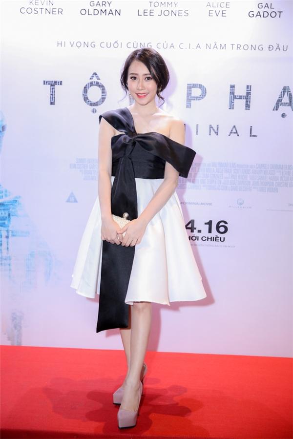 Lona Huỳnh cũng tham dự tại sự kiện trên. - Tin sao Viet - Tin tuc sao Viet - Scandal sao Viet - Tin tuc cua Sao - Tin cua Sao