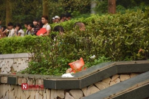 Những bãi rác 'bất đắc dĩ' trong ngày Giỗ tổ Hùng Vương năm 2016
